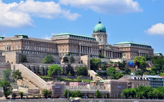 ארמונות בבודפשט
