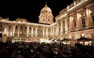 פסטיבל הנקניקיות והברנדי של בודפשט - Sausage Festival