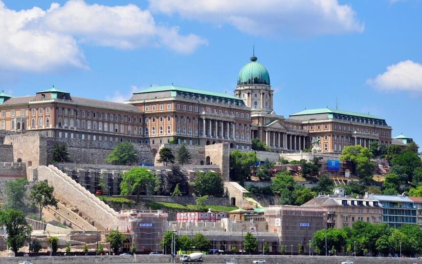 חוויה קסומה : סיור בארמונות המרהיבים של בודפשט